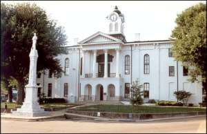 Oxford-Square-Courthouse