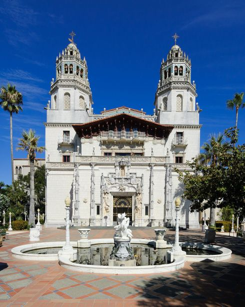 800px-hearst_castle_casa_grande_september_2012_panorama_2